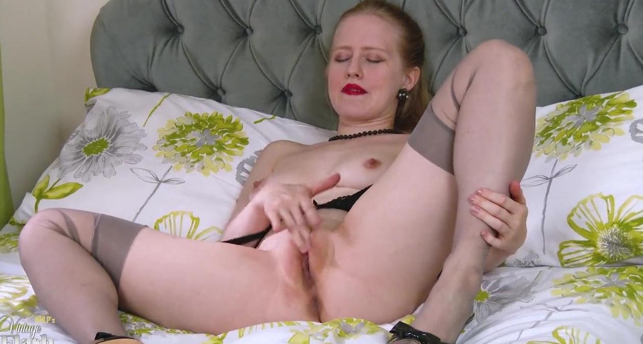 Проститутка Обработала Свою Манденку Секс-Игрушкой